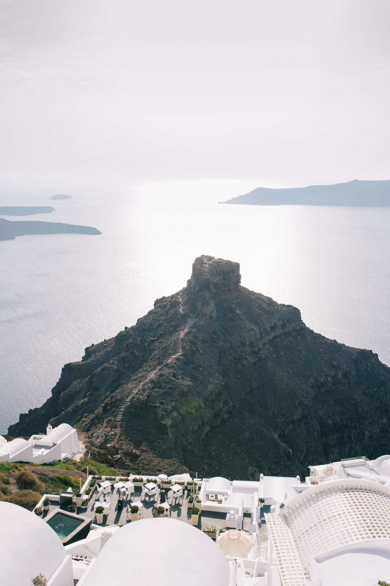 4-10-Wedding_in_VallaisVillas-Santorini-1