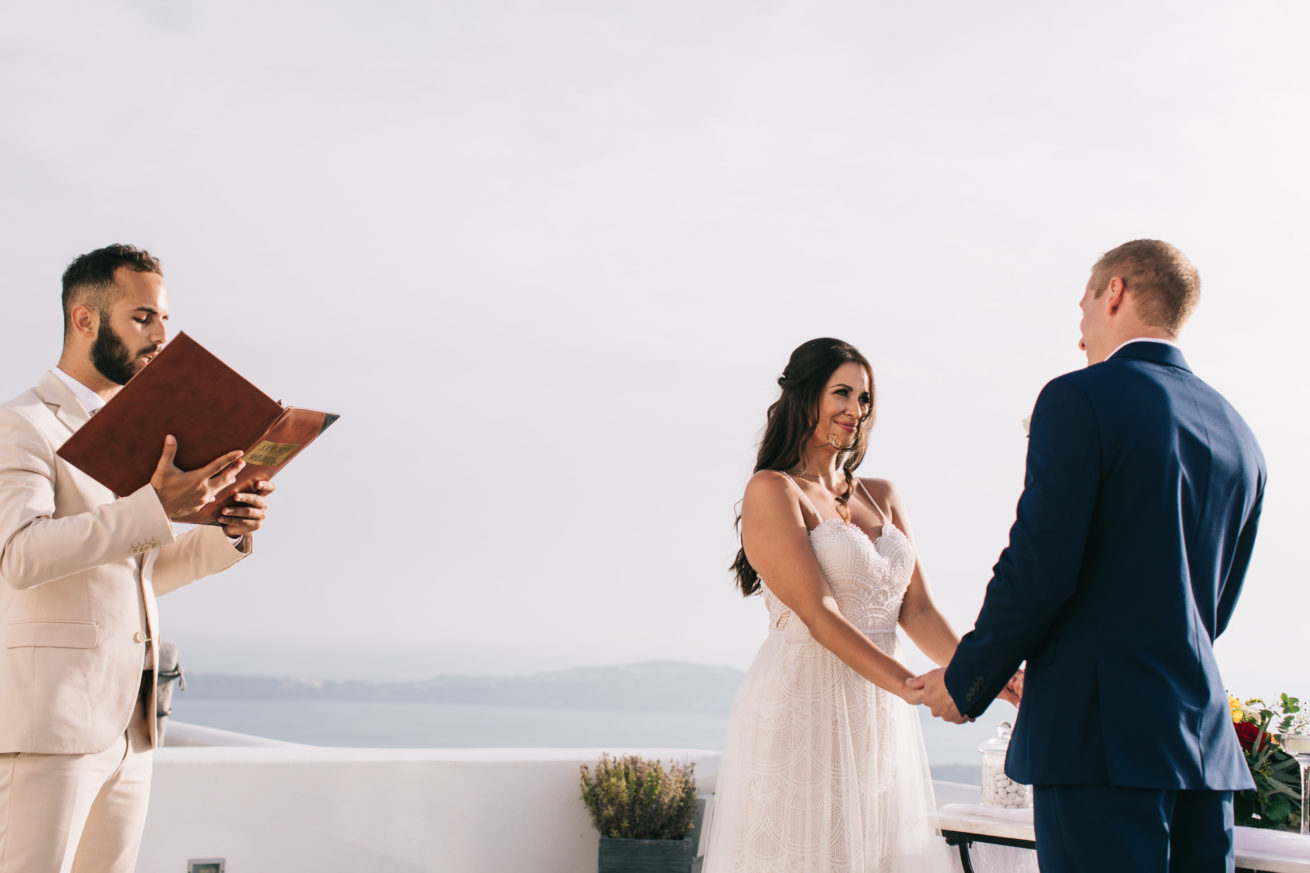 4-10-Wedding_in_VallaisVillas-Santorini-101