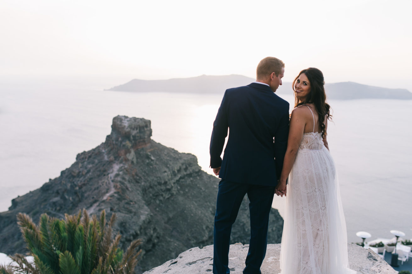 4-10-Wedding_in_VallaisVillas-Santorini-163