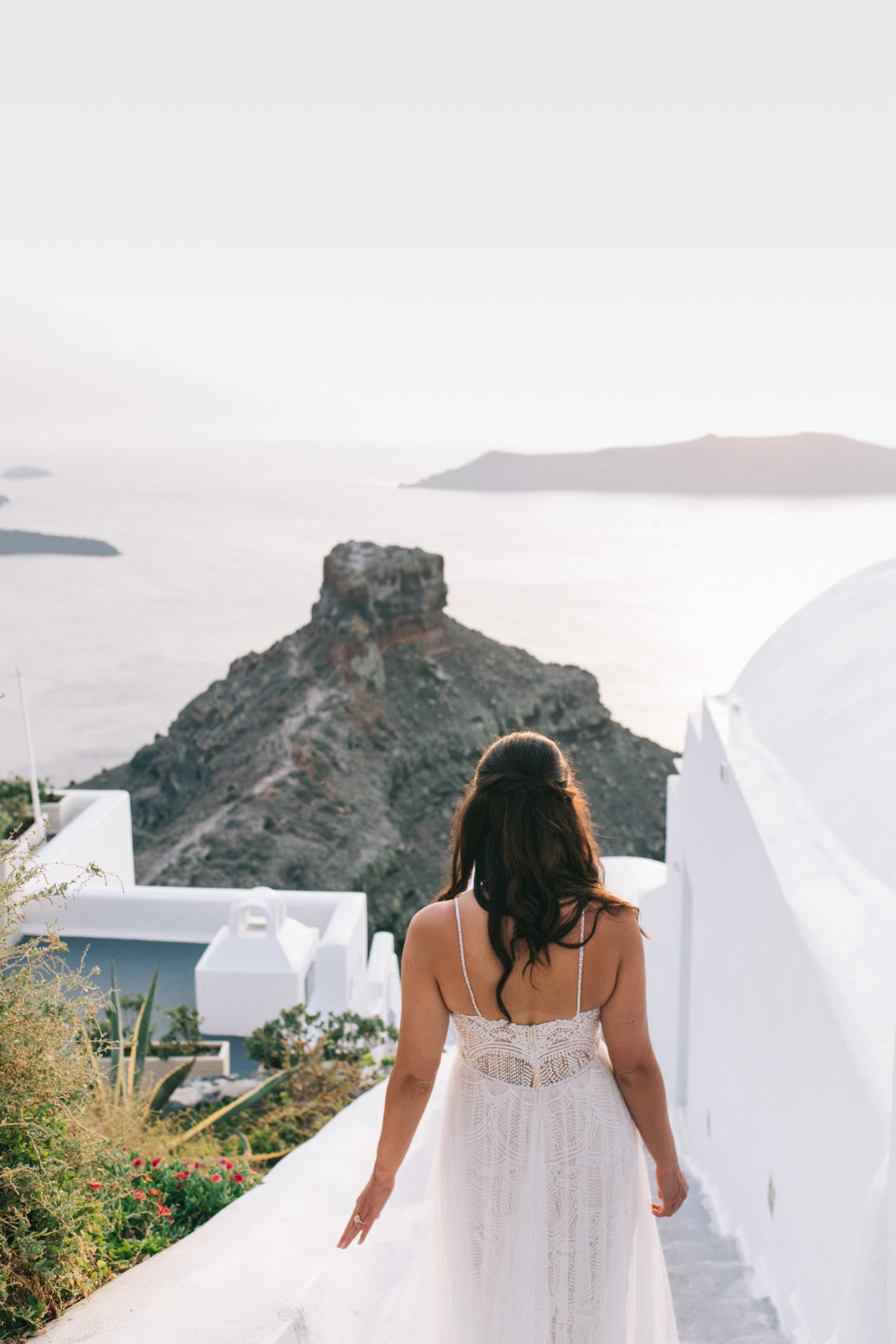 4-10-Wedding_in_VallaisVillas-Santorini-178