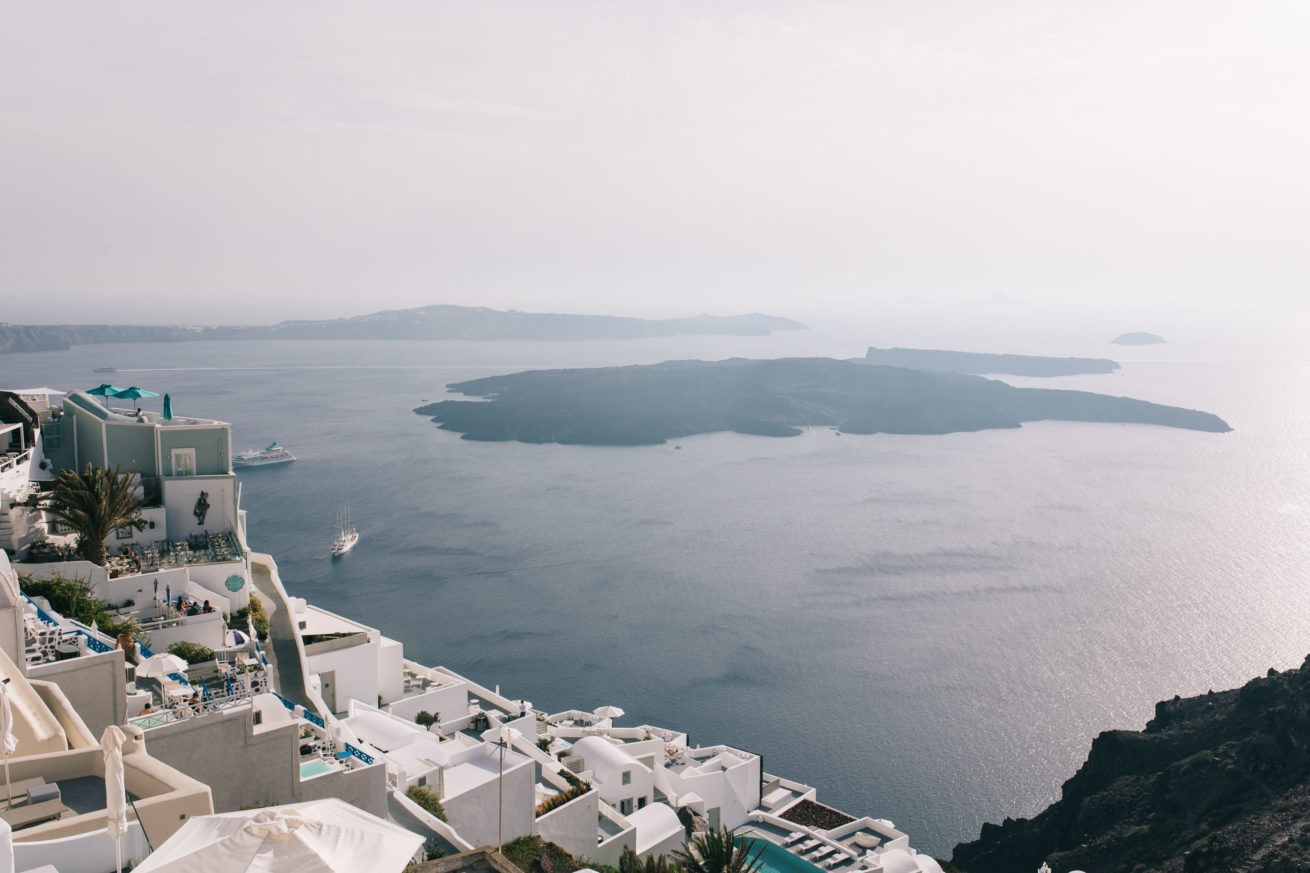 4-10-Wedding_in_VallaisVillas-Santorini-55