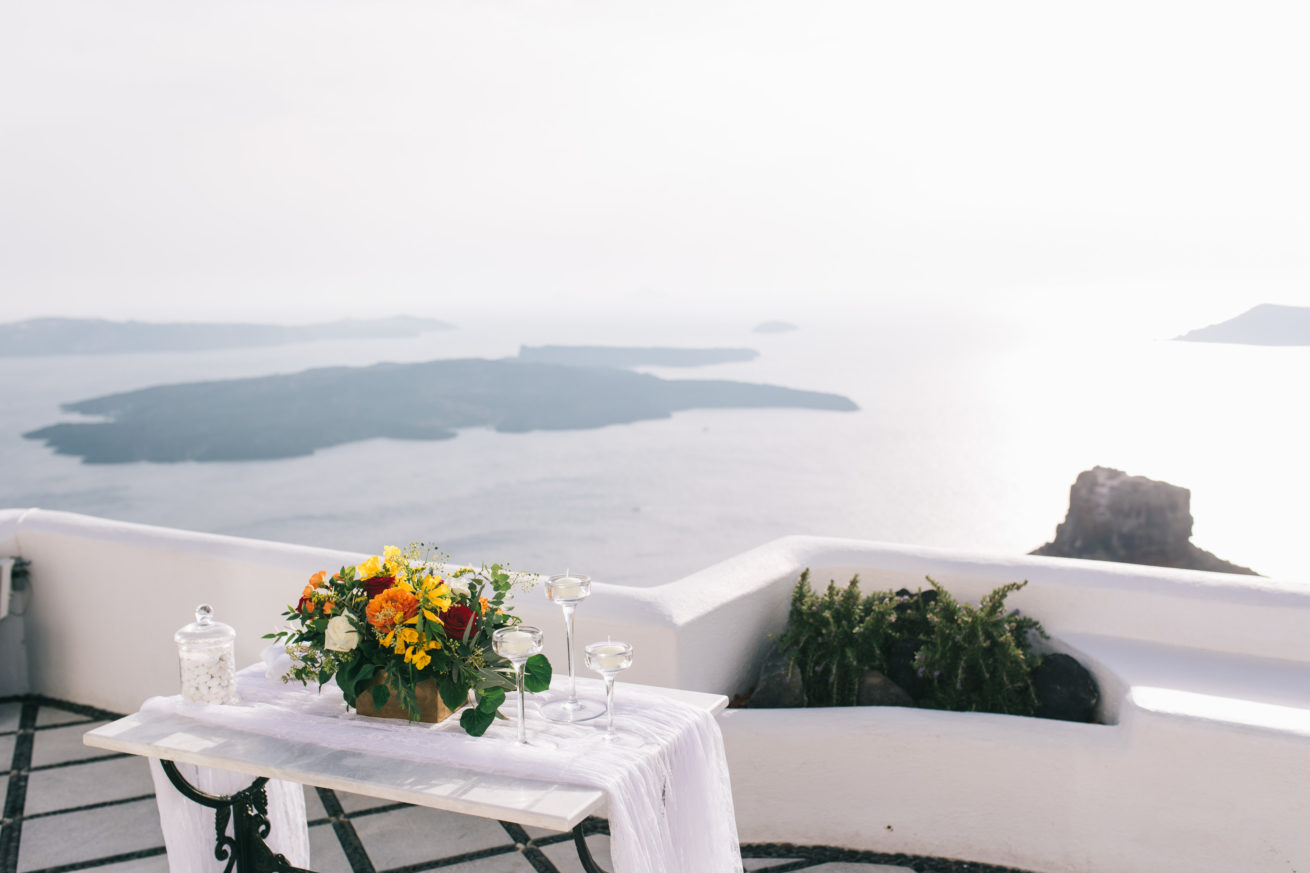 4-10-Wedding_in_VallaisVillas-Santorini-64