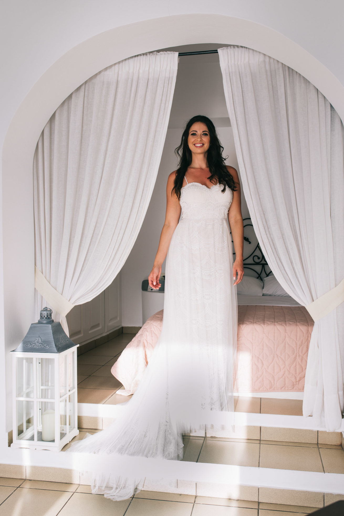 4-10-Wedding_in_VallaisVillas-Santorini-67