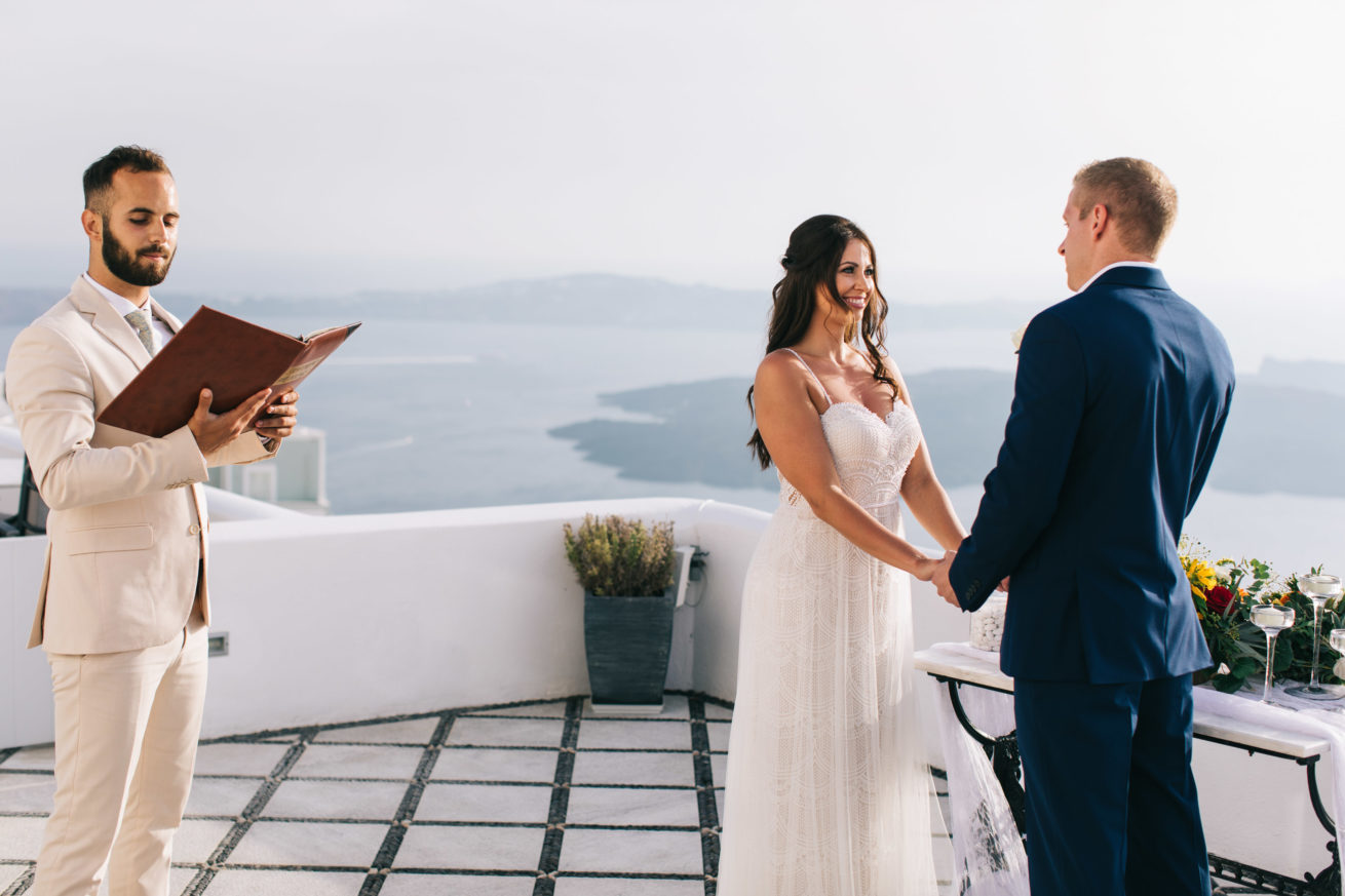 4-10-Wedding_in_VallaisVillas-Santorini-85
