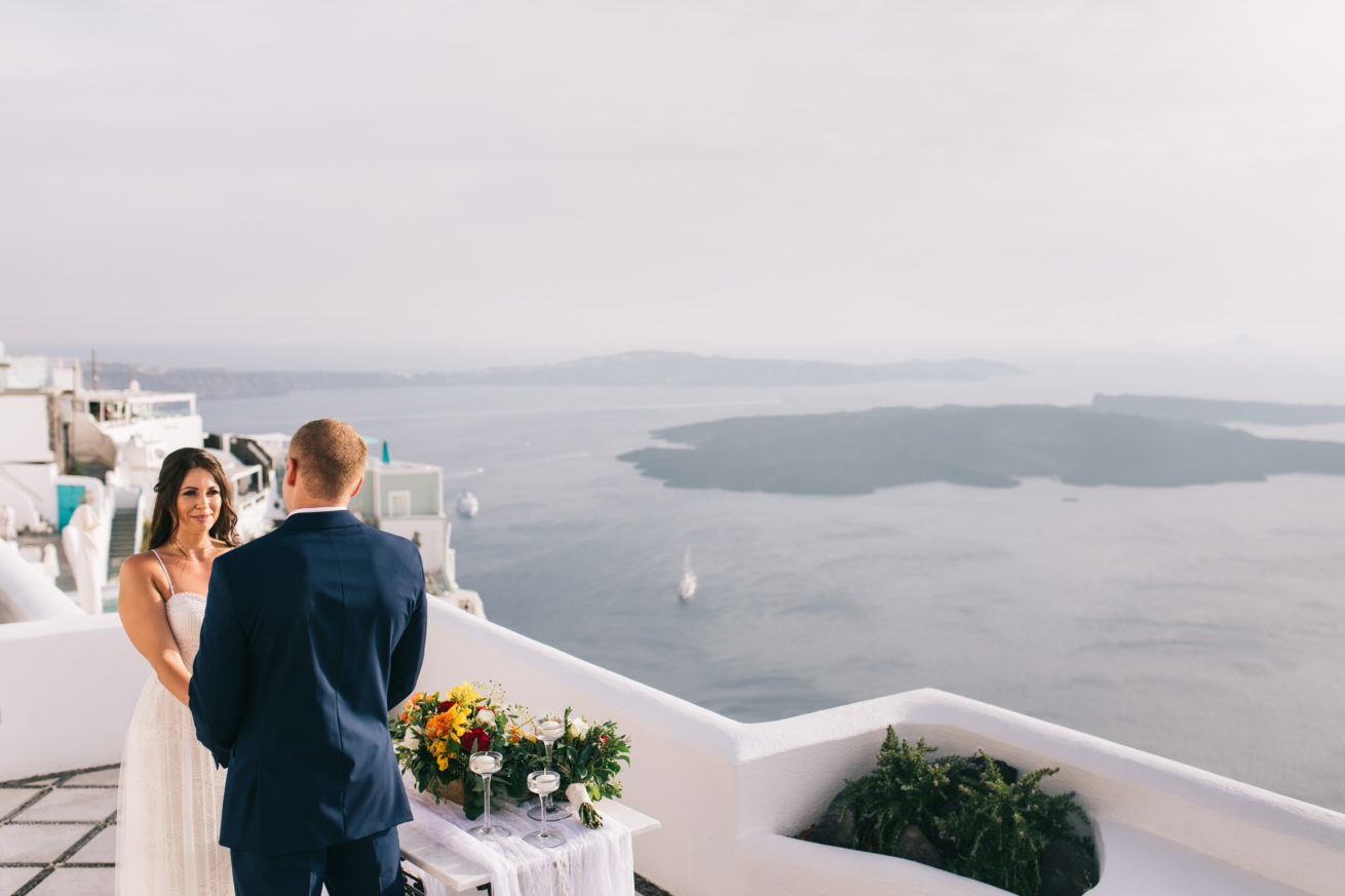 4-10-Wedding_in_VallaisVillas-Santorini-89