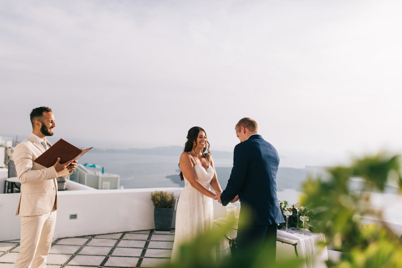 4-10-Wedding_in_VallaisVillas-Santorini-90